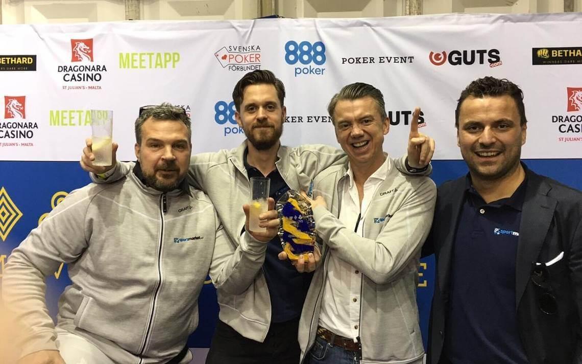 Vinnare av Lagpoker-SM 2016. Från vänster: Niklas Borg, Mathias Bohnfeldt, Olof Haglund och Amir Ziric.